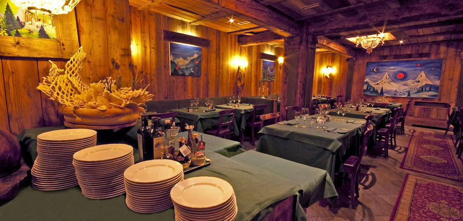Italy_Cervinia_Hotel-Punta-Maquignaz_restaurant.jpg